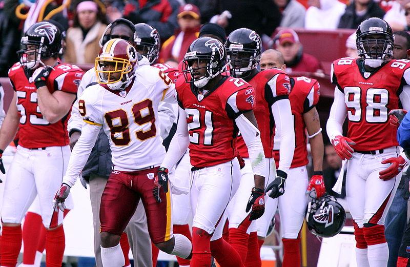 800px-Falcons_vs_Redskins_2006